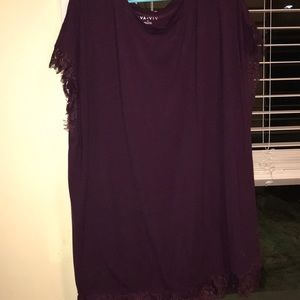 Oversized/PLUS SIZE comfy T-shirt with lace